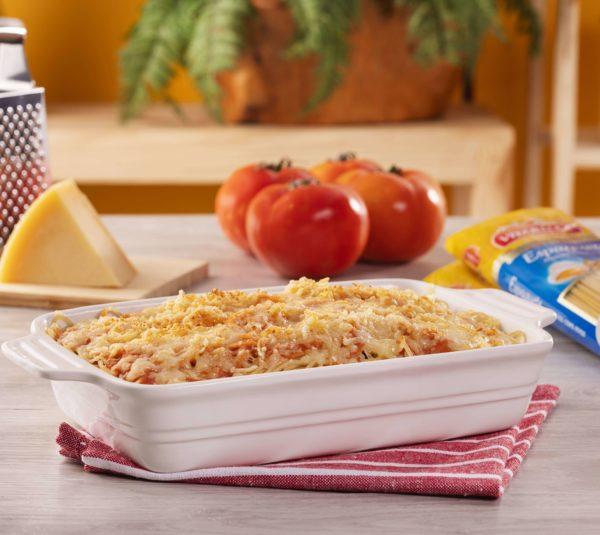Espaguete Ovos com Filé Mignon em Tiras